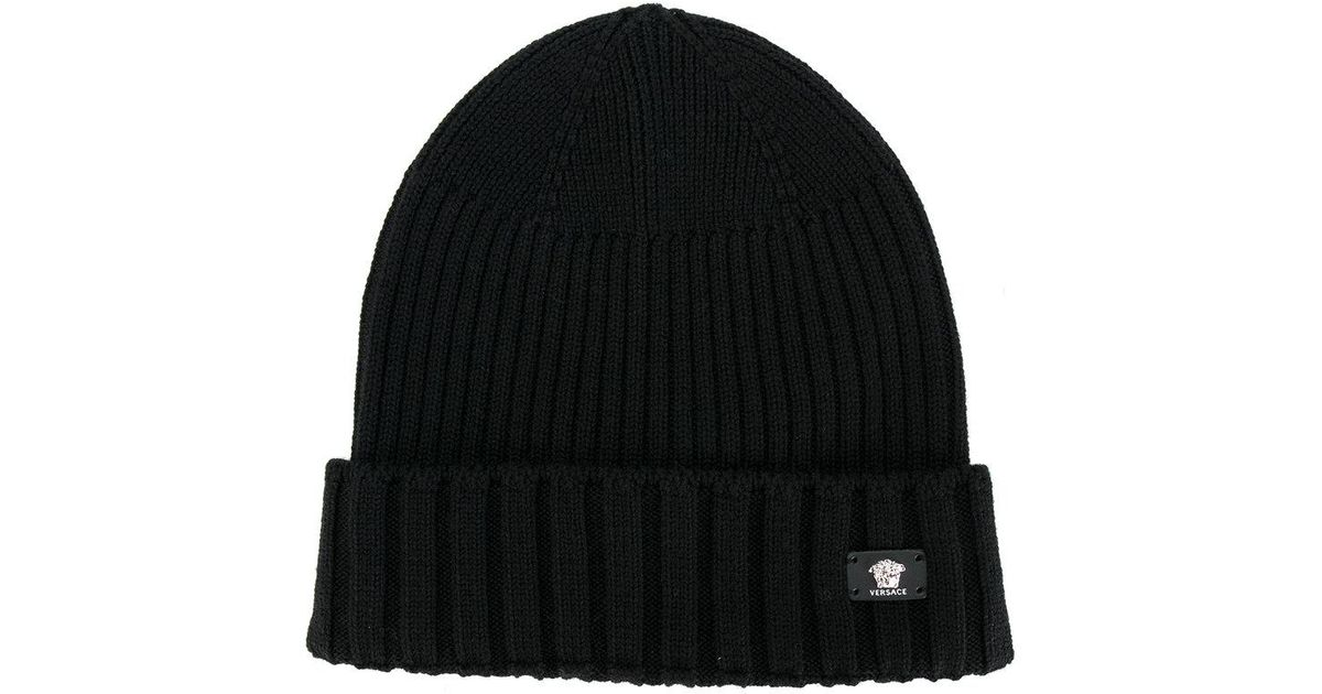 02d8a73c Versace Logo Ribbed Beanie in Black for Men - Lyst