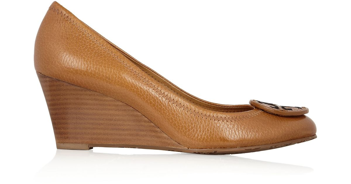 ad1c2e3846b7b4 Tory Burch Sally Leather Wedge Pumps in Brown - Lyst