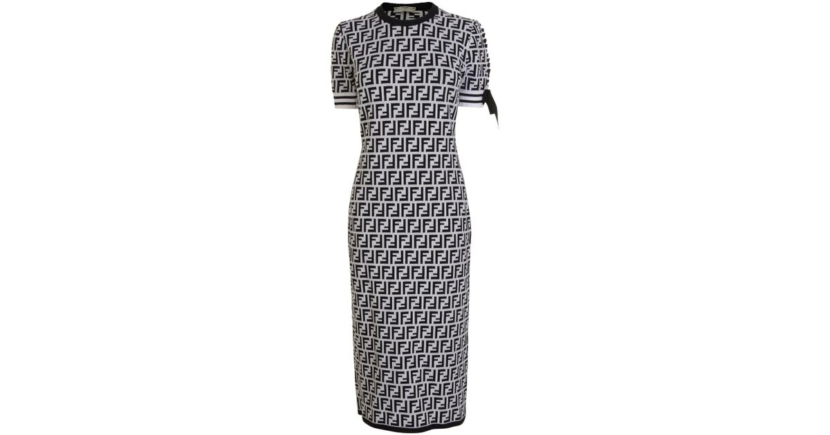 048312e337ca Lyst - Fendi Logo Knit Jumper Dress in Black
