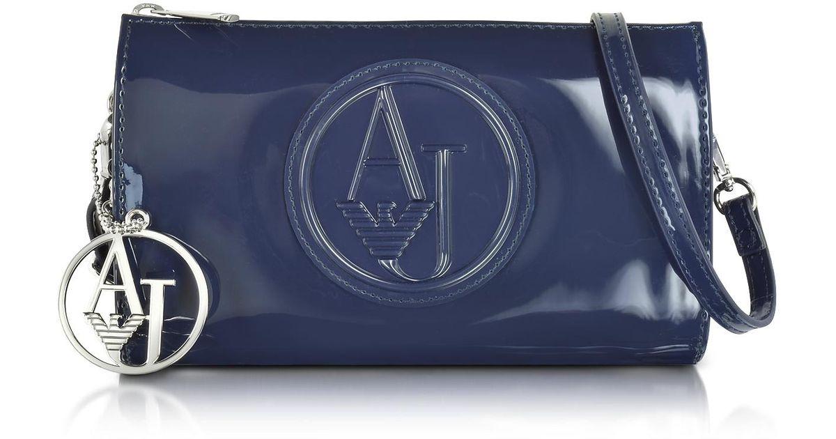Lyst - Mini Sac à Bandoulière en Éco Cuir Verni Armani Jeans en coloris Bleu f322a5b5f45
