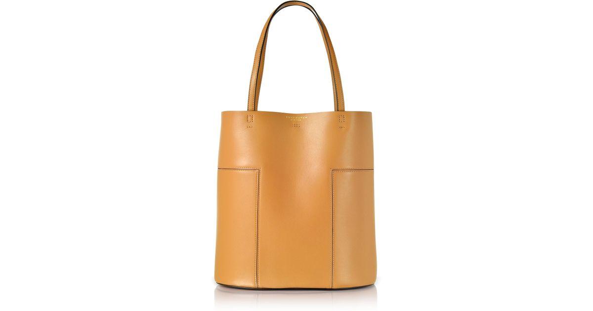 88c392284421 Lyst - Tory Burch Block-t Aged Vachetta Leather Medium Tote in Brown