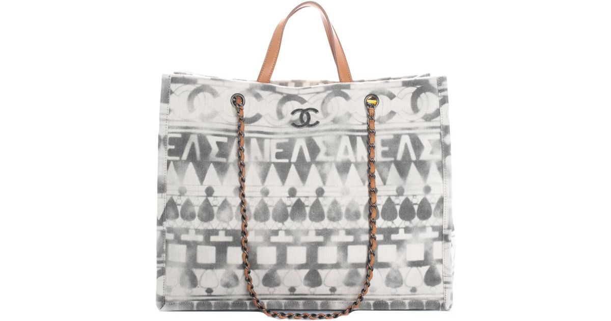 80b32dde331b Lyst - Chanel 2018 Grey   White Canvas Large Iliad Deauville Shopping Tote  in Gray