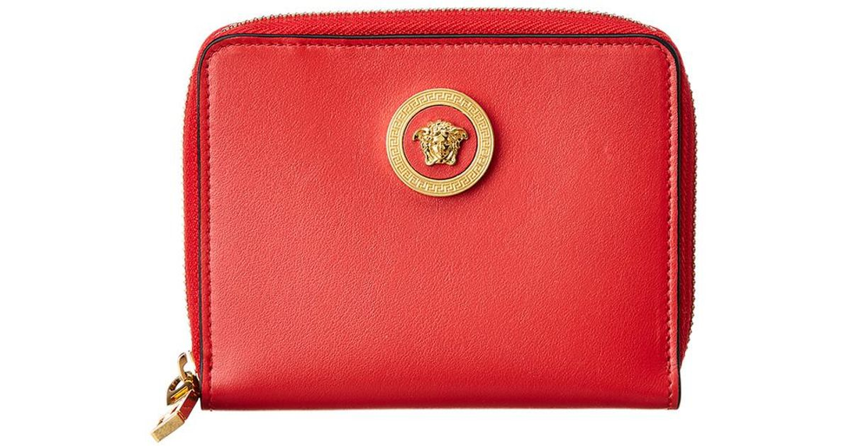 31a04a38c0 Versace Medusa Tribute Leather Zip Around Wallet in Red - Lyst