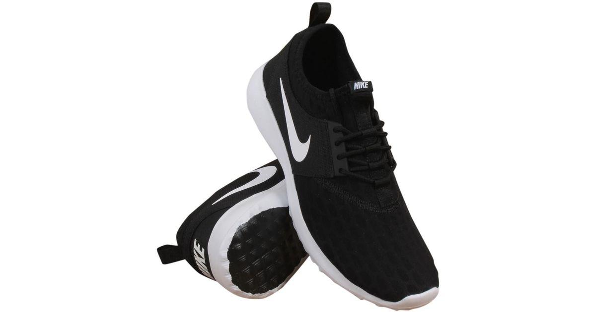 sports shoes b22d3 06ce4 Lyst - Nike Juvenate Black white black white Running Shoe 6 Women Us in  Black