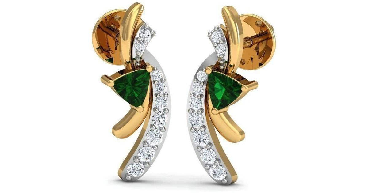 Lyst Diamoire Jewels Trillion Cut Emerald Diamond Earrings In 18kt Yellow Gold Metallic