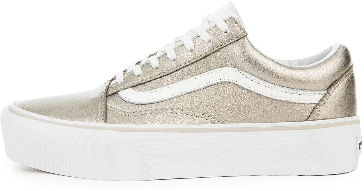 c10e09961855 Lyst - Vans The Women s Old Skool Platform In Gray Gold And True White in  Metallic