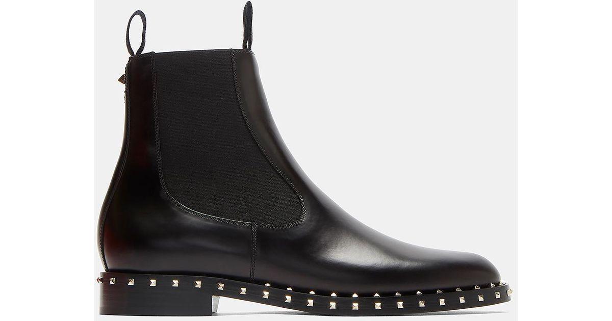 da5eb84d8 Valentino Pyramid-studded Chelsea Boots In Black in Black - Lyst
