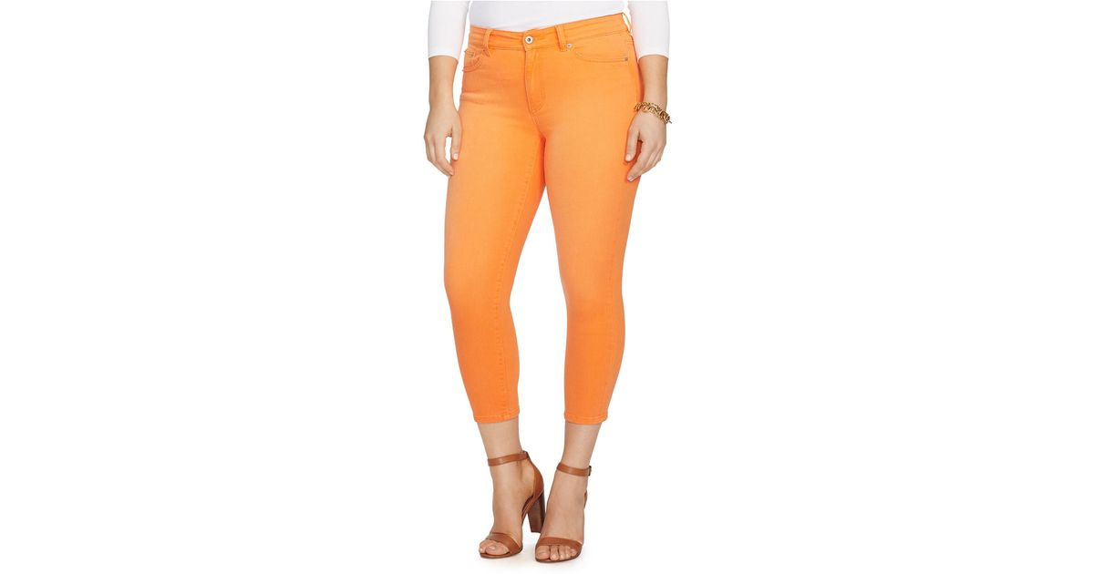 Sears has women's jeans in fashionable colors and styles. Find everything from flare-cut designs to skinny jeans to enhance your wardrobe.