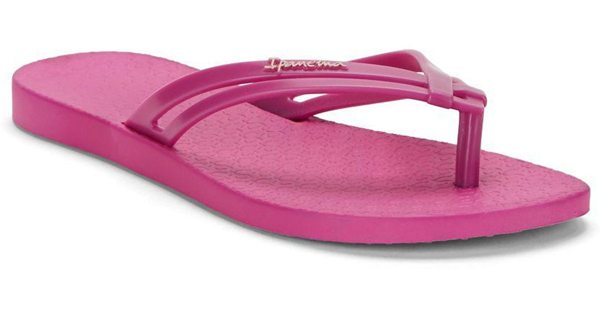 6ad5af56e716e8 Ipanema Hashtag Crisscross Strap Flip Flops in Pink - Lyst