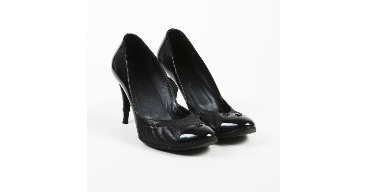 b6db4d1da392 Chanel Black Leather   Patent Cap Toe Pumps in Black - Lyst
