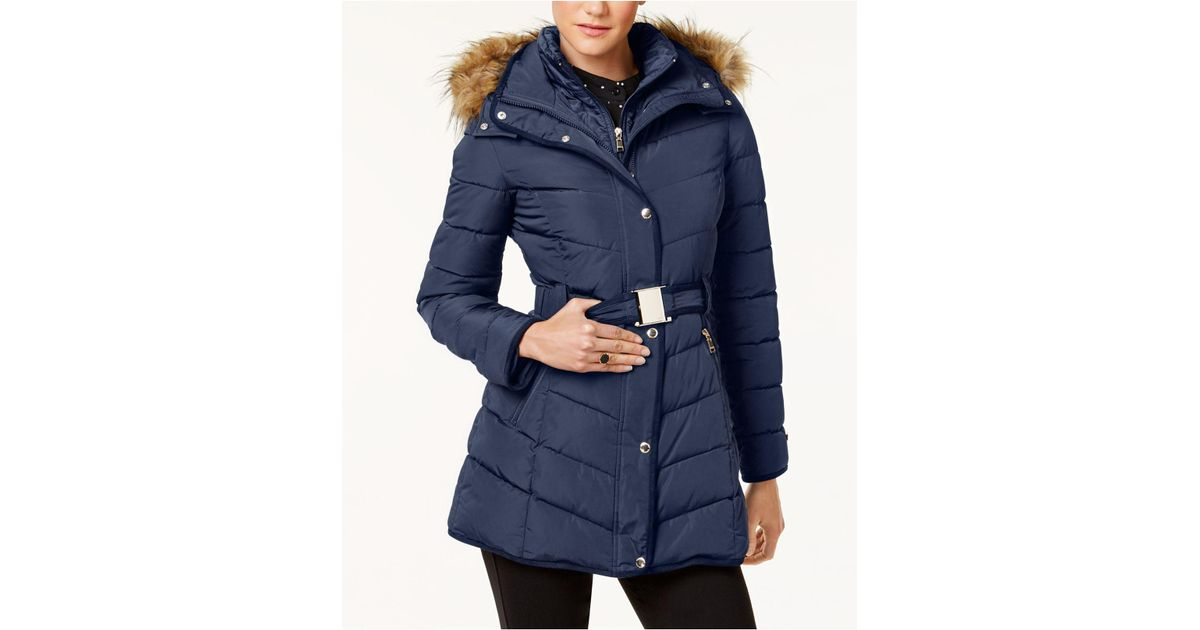 c7092836907a4 Lyst Tommy Hilfiger Pee Faux Fur Trim Layered Belted Puffer