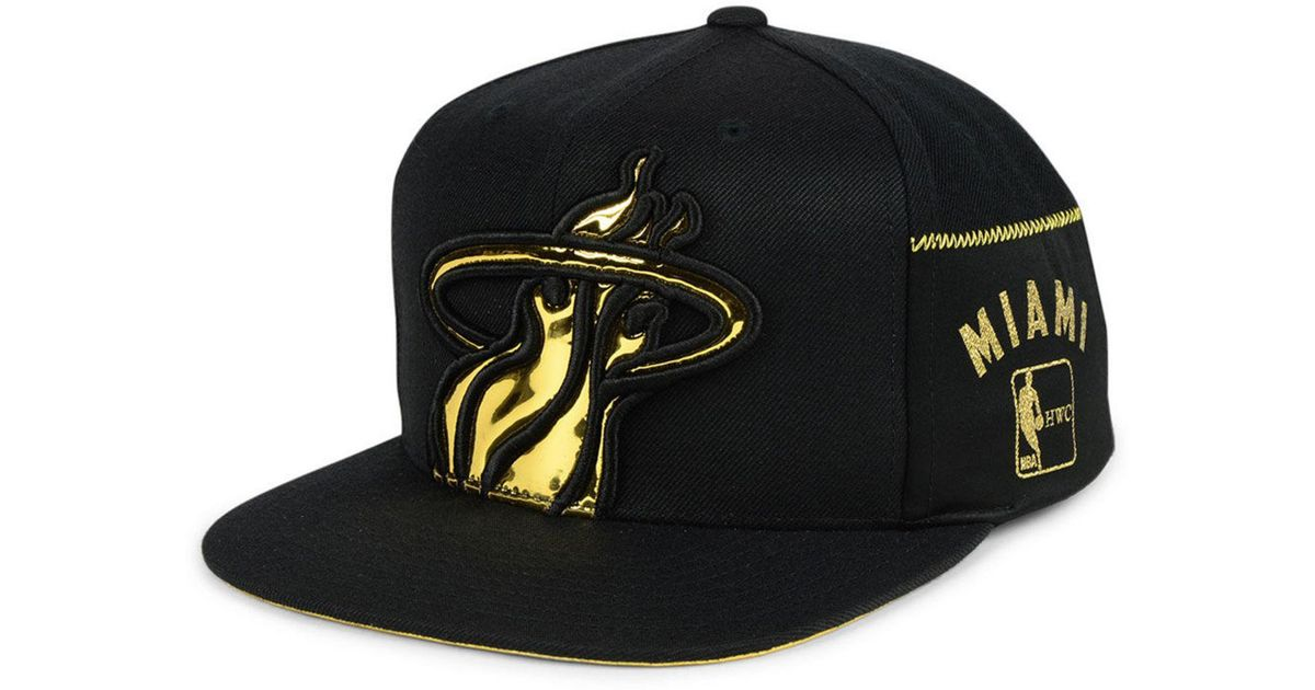 new product d78e2 15238 Lyst - Mitchell   Ness Miami Heat Patent Cropped Snapback Cap in Black for  Men