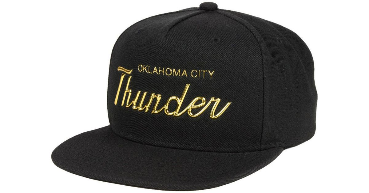 meet 3a979 bba29 Mitchell   Ness Oklahoma City Thunder Metallic Tempered Snapback Cap in  Metallic for Men - Lyst