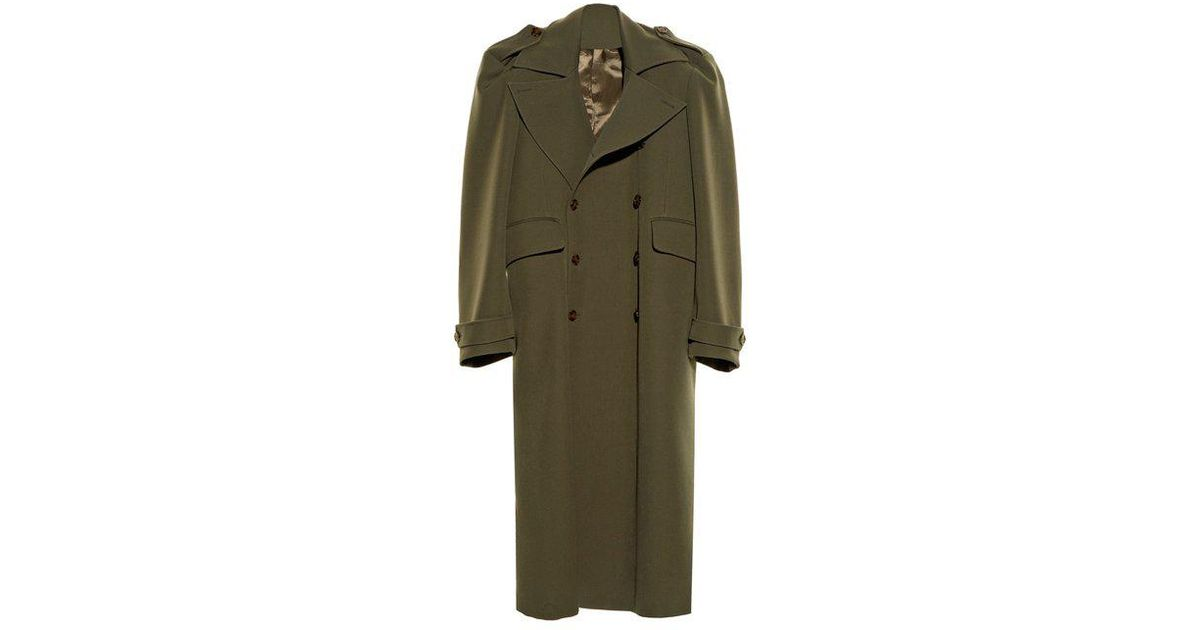 95aab07286de Vetements Exaggerated Shoulder Twill Coat in Natural - Lyst