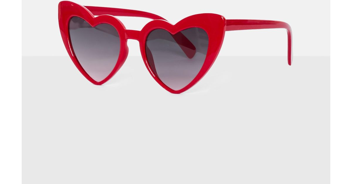 f597d2107f Missguided Red Heart Sunglasses in Red - Lyst