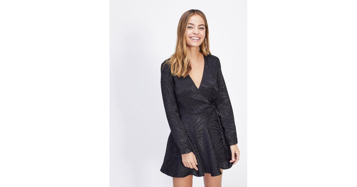 cc7942560f Lyst - Miss Selfridge Petite Black Jacquard Zebra Print Wrap Dress in Black