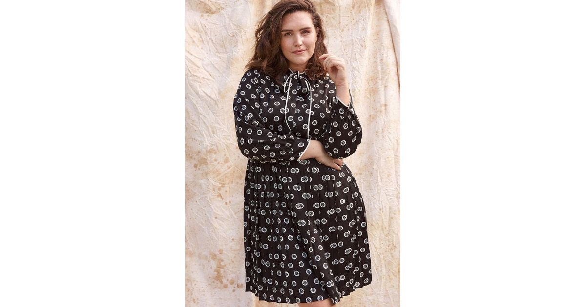 3b43b7c22d9a Lyst - Modcloth Pleated Shirt Dress With Tie Neck in Black