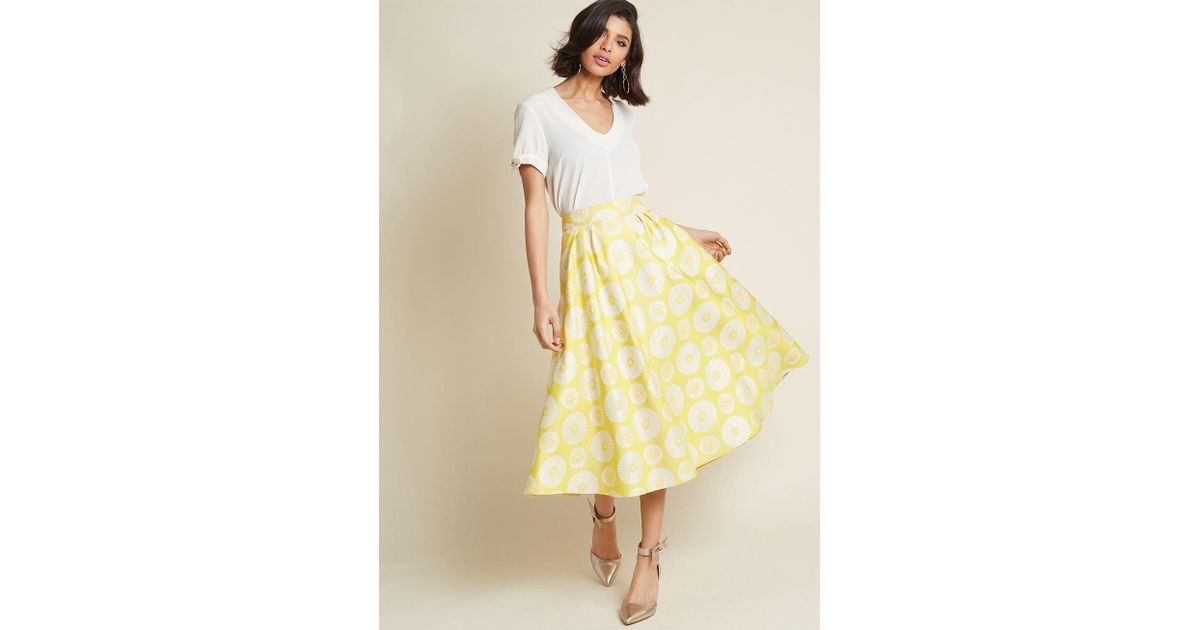 c2d88c4c3f Lyst - Modcloth Sixties Sparkle Fit And Flare Skirt in Yellow