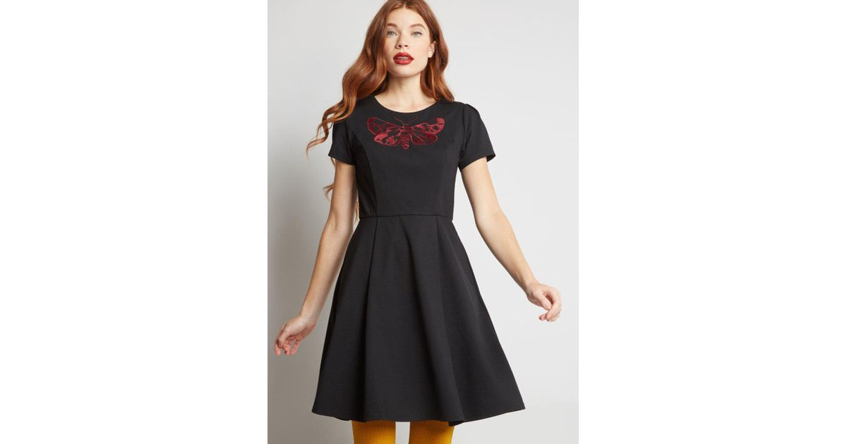 251f65c392b57 ModCloth Winging It Embroidered Dress in Black - Lyst