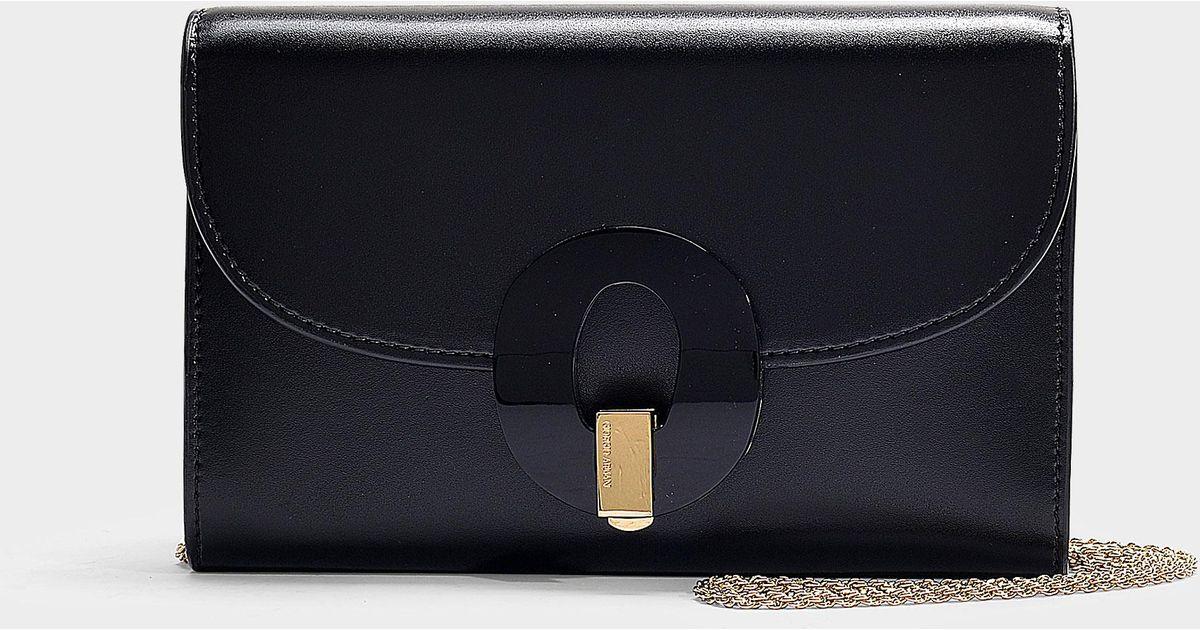 a170a4bab7e Lyst - Portefeuille sur chaîne musa en cuir de veau noir Giorgio Armani en  coloris Noir