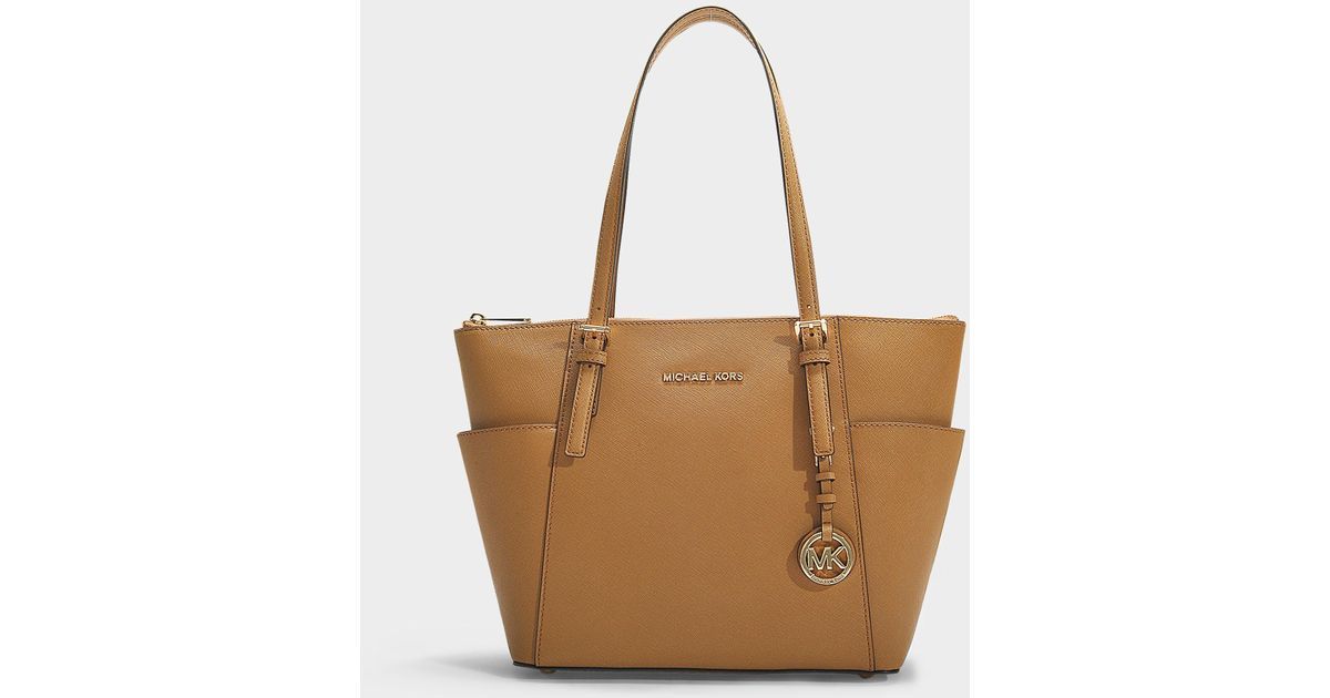4e9559a322 Lyst - MICHAEL Michael Kors Jet Set Item Top Zip Tote In Brown Saffiano  Calfskin in Brown