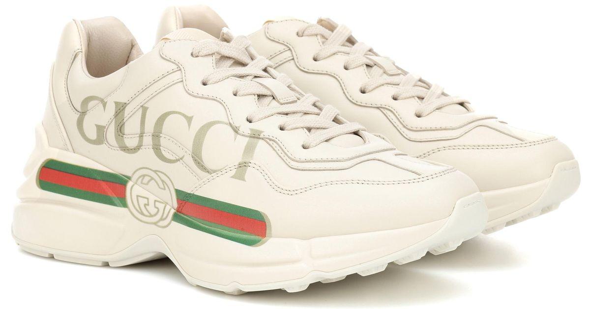 eab4c97c66 Zapatillas de piel Rhyton Gucci de color Blanco - Lyst