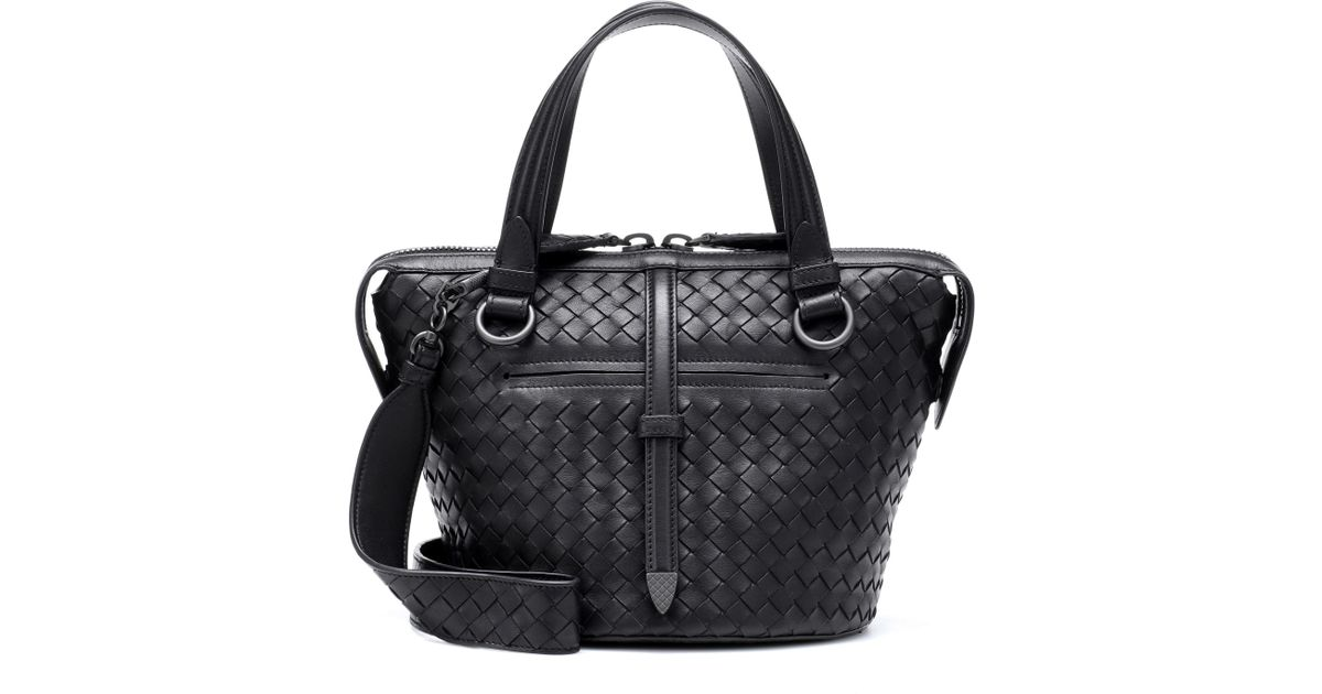 df67e4e8976 Bottega Veneta Tambura Leather Shoulder Bag in Black - Lyst