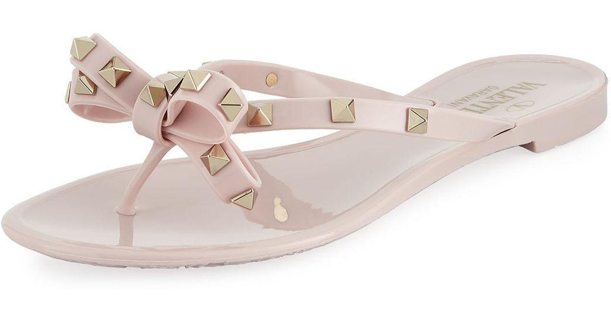 7dfba8a278c5 Lyst - Valentino Jelly Rockstud Flat Thong Sandals in Pink