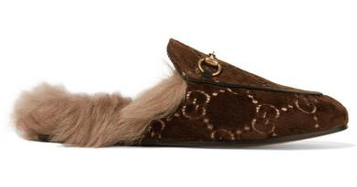 d1c8ecc99 Gucci Princetown Horsebit-detailed Shearling-lined Logo-jacquard Slippers  in Brown - Lyst