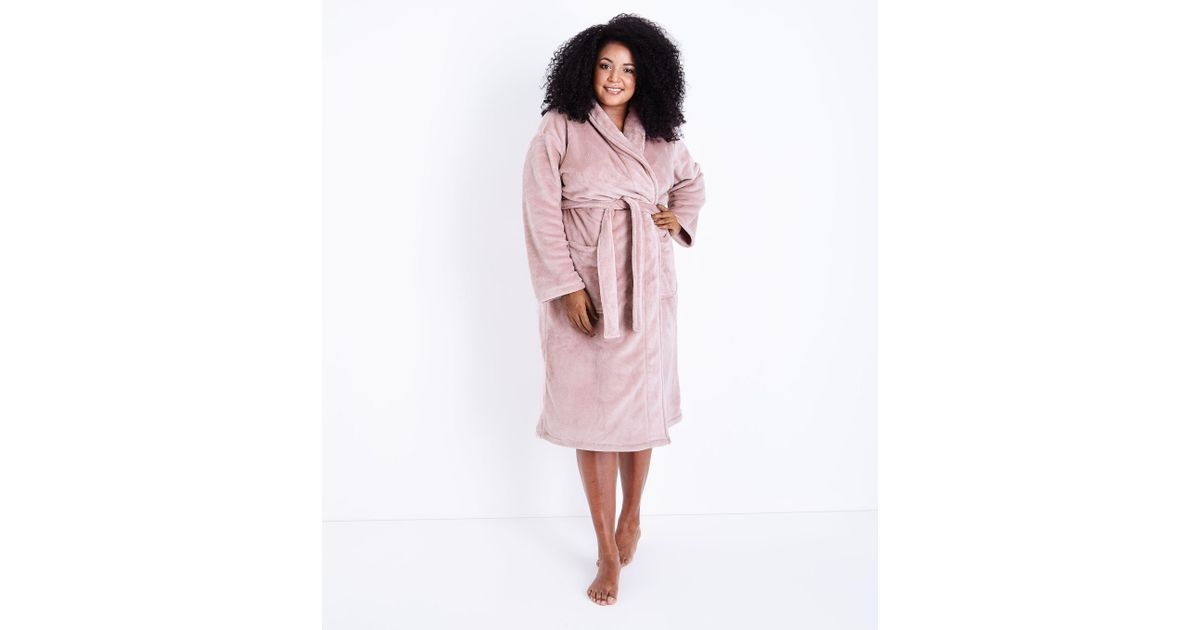 New Look Curves Pink Fluffy Dressing Gown in Pink - Lyst