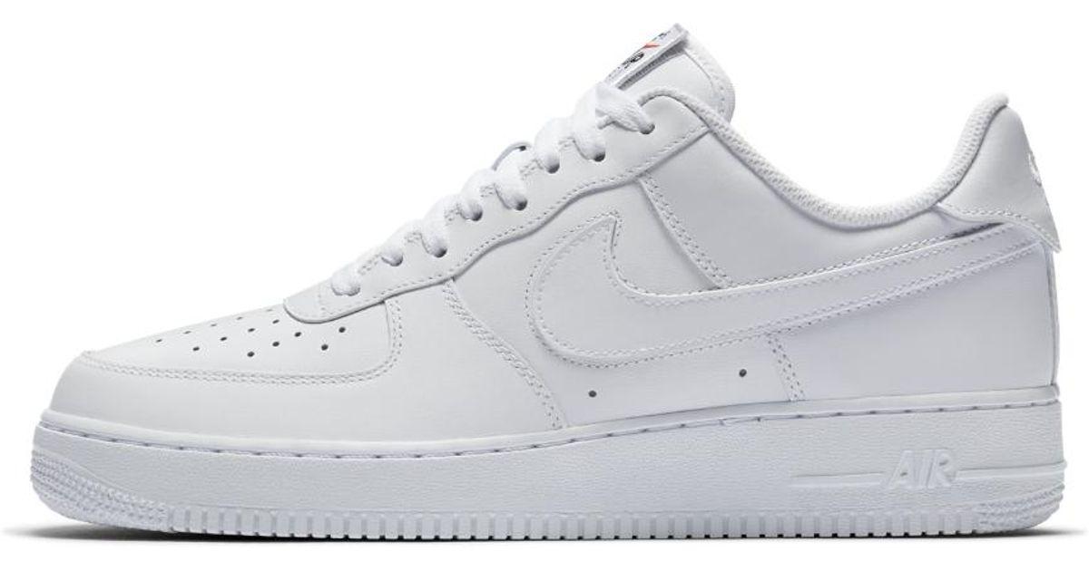 lyst nike air force 1 '07 qs' confezione delle scarpe maschili in bianco per gli uomini.