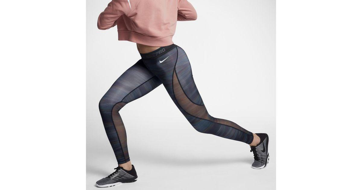 finest selection 3c6ed 9724c Nike Pro Hypercool Women s 28