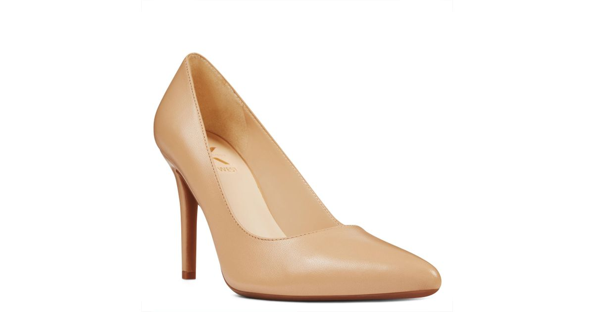 Lyst - Nine West Finlay Pointy Toe Pumps in Natural 346146bc51