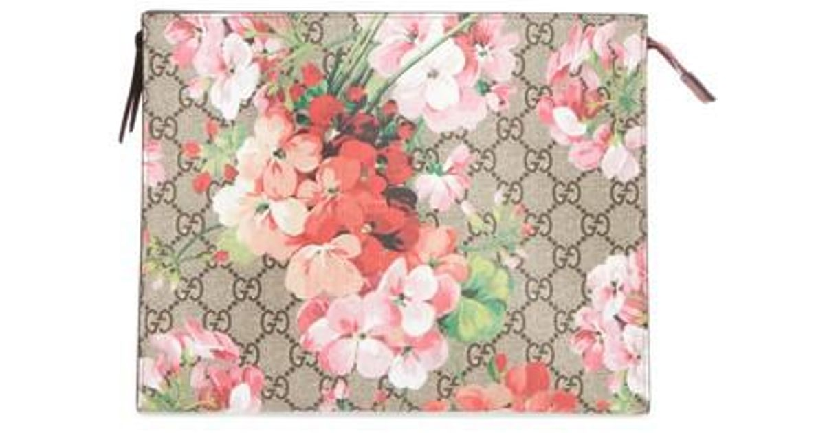 9ea4982e231 Lyst - Gucci Large Gg Blooms Canvas   Leather Cosmetics Case in Pink