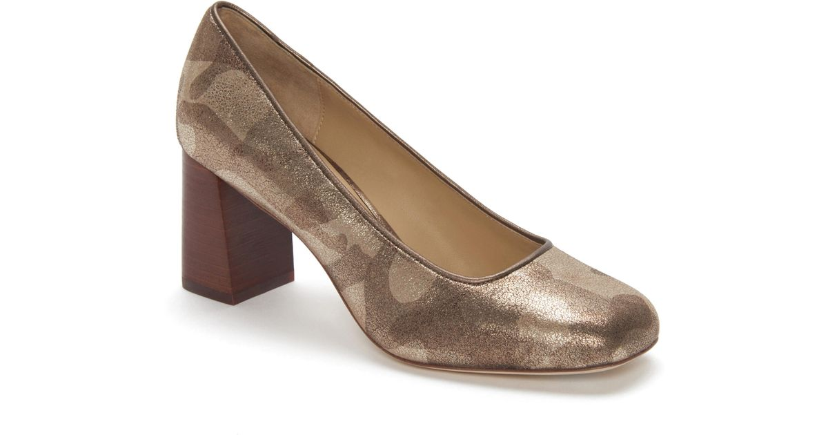 6a9d337db9dd Lyst - Etienne Aigner Dylan Square Toe Pump