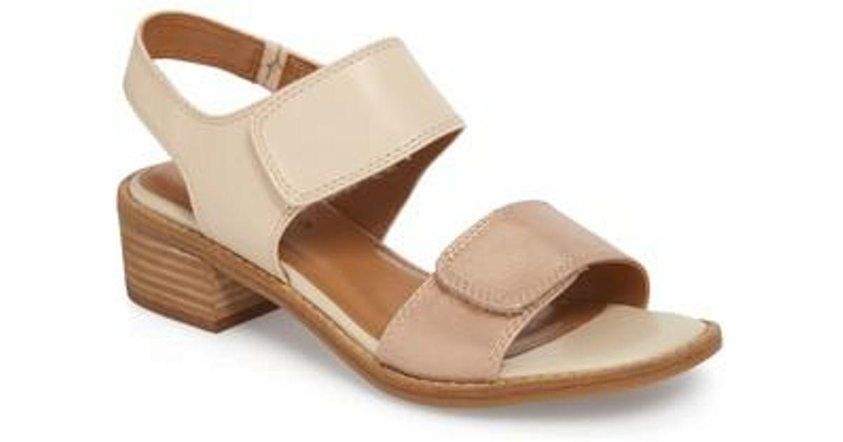 Comfortiva Baja Leather Metallic Snake Print Block Heel Sandals 3G91kLWW0m