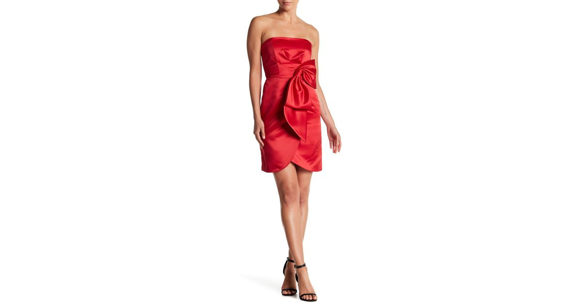 ec7322b31d4 MILLY Duchess Satin Bow Strapless Dress in Red - Lyst