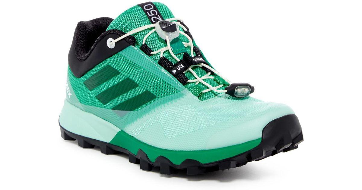 lyst adidas terrex trailmaker scarpe da ginnastica in verde per gli uomini.