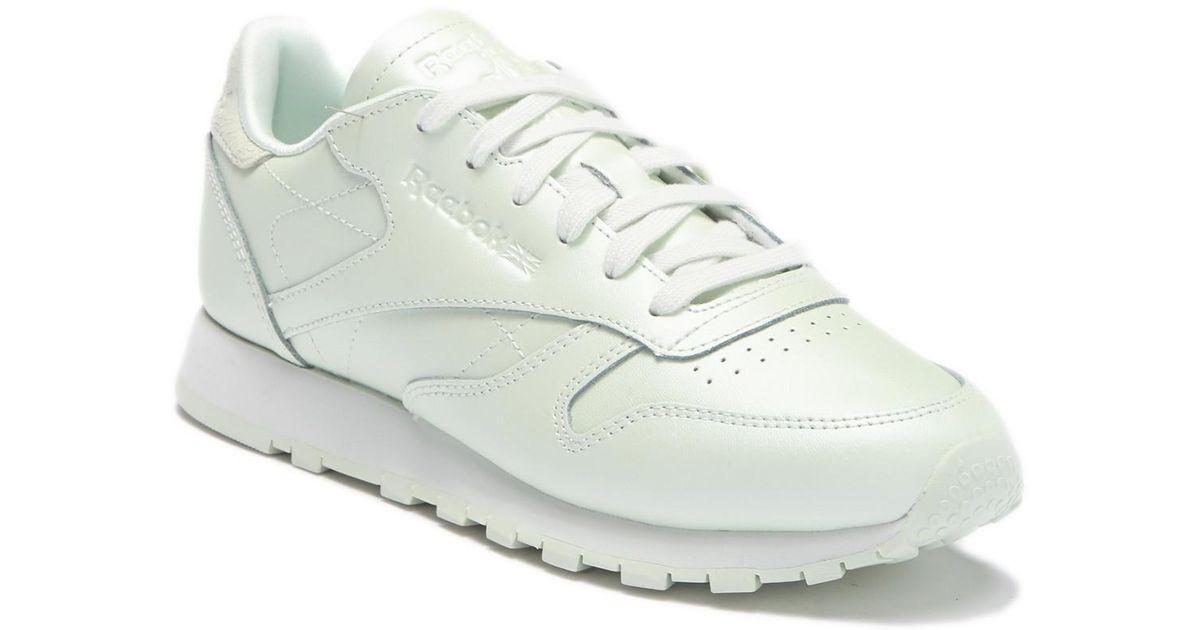 789e303cd7d Lyst - Reebok Classic Leather Sneaker