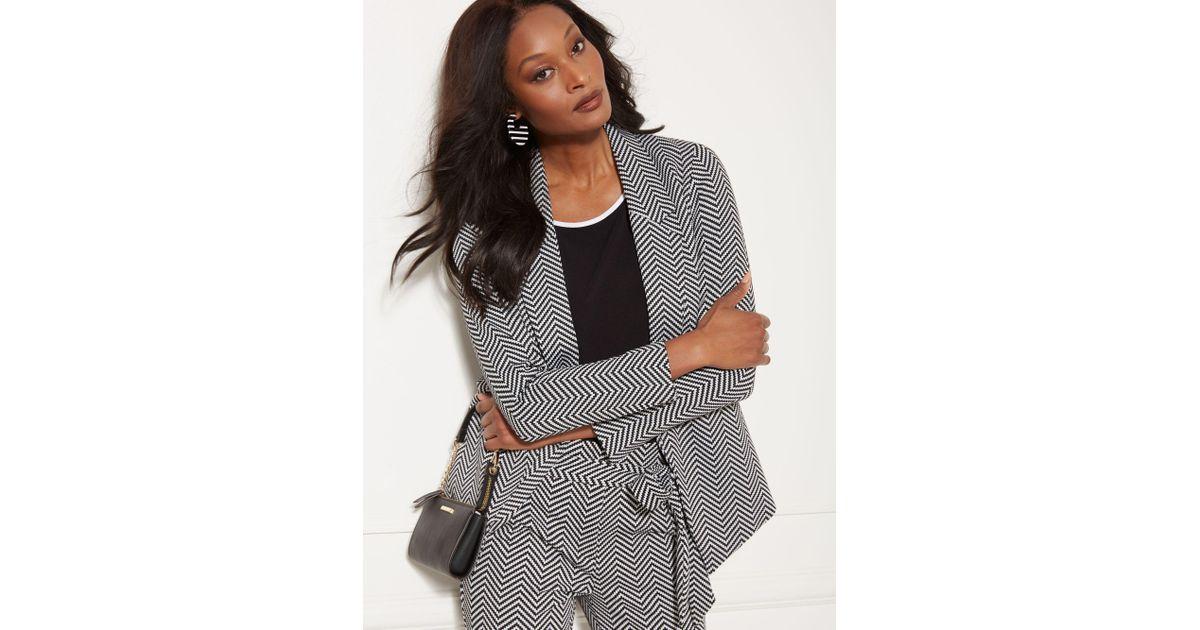 132a81ff2 Lyst - New York & Company Black & White Chevron Madie Soft Blazer - 7th  Avenue in Black