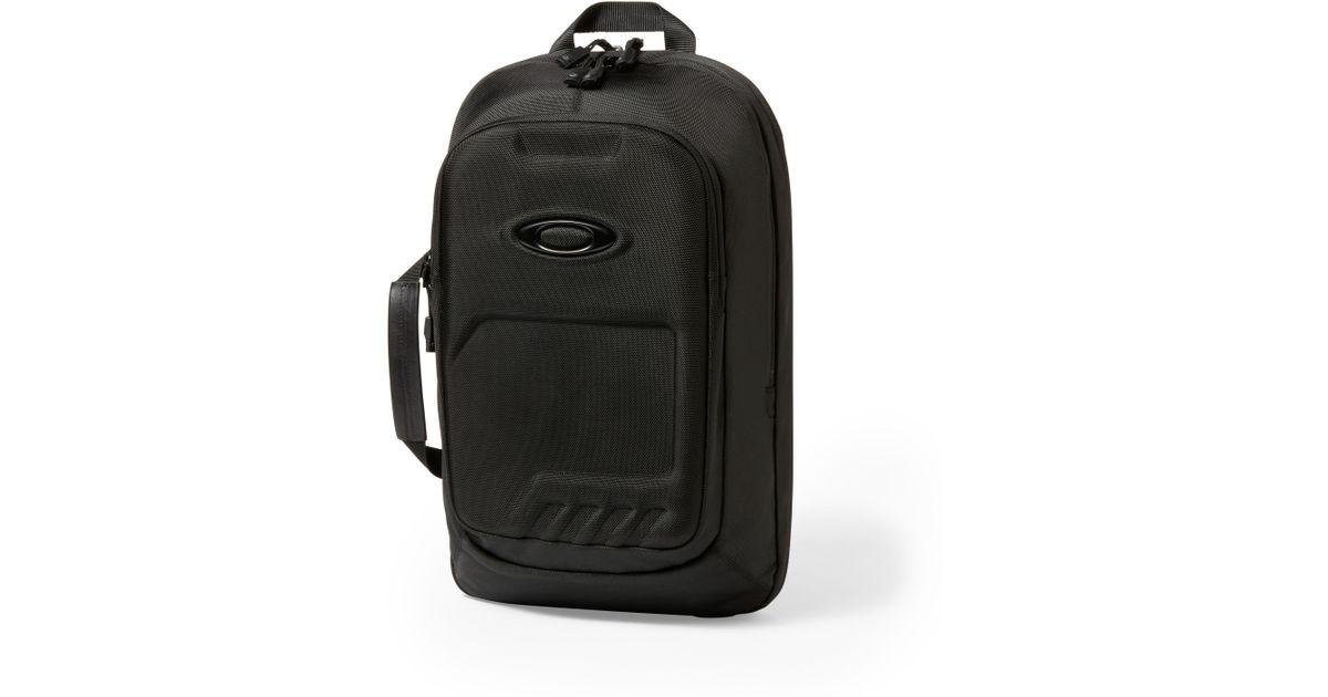 92a77adf3e Lyst - Oakley Motion Tech 2.0 Backpack in Black for Men