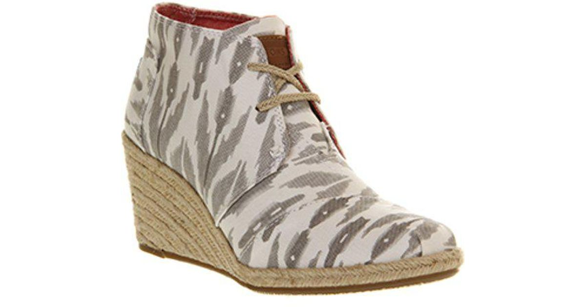 7a5d4df398577 Lyst - Toms Desert Wedge in Gray
