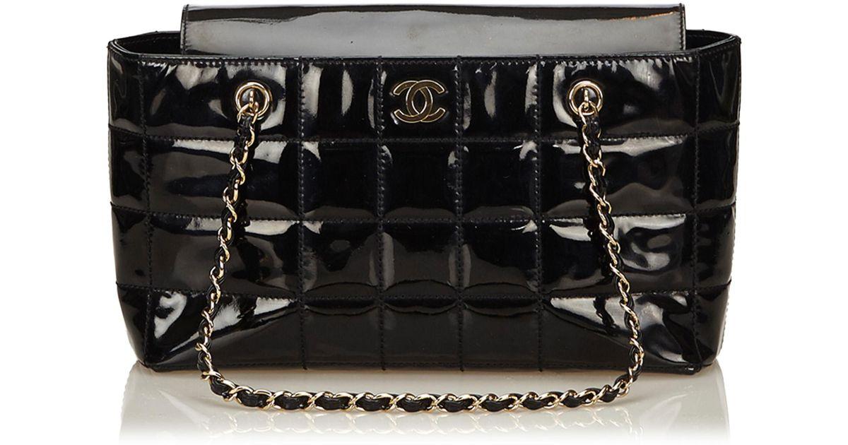 faf7b2c31e3c70 Lyst - Chanel Choco Bar Patent Leather Shoulder Bag in Black
