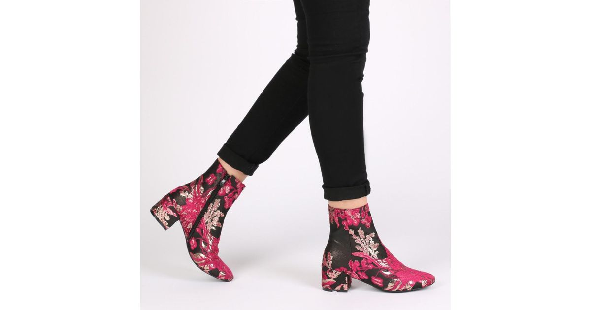 Gold Desire In Ankle And Lyst Embroidered Public Hana Pink Boots qOTOfzgaw