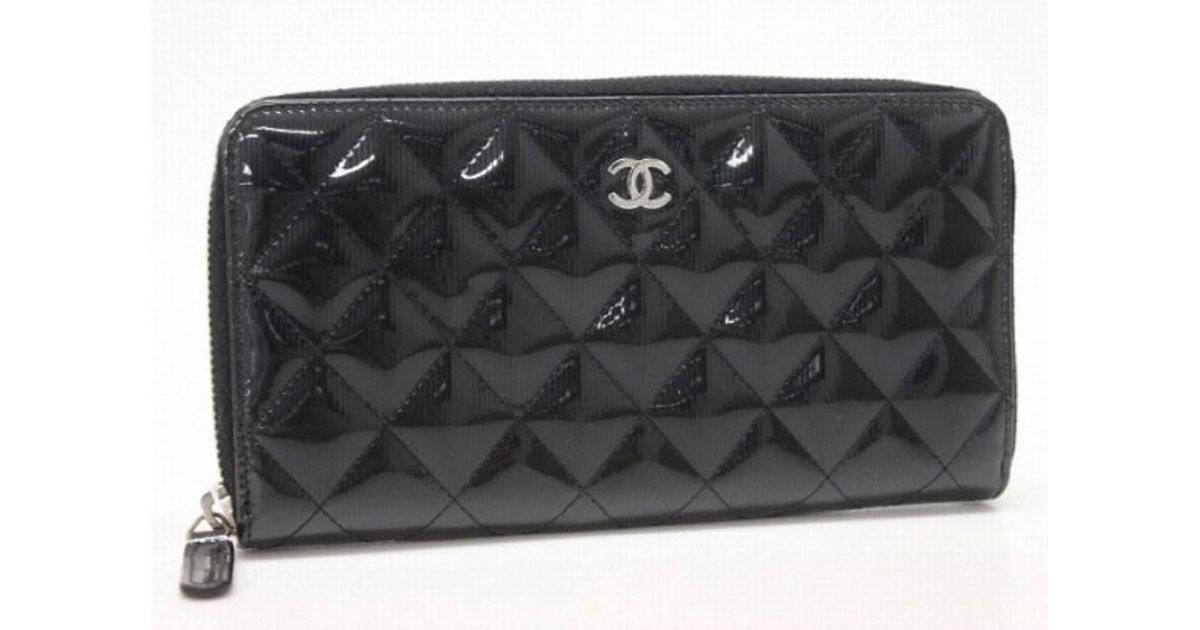 cd4fdaf71932 Chanel Authentic Patent Leather Matelasse Striped Zip Around Wallet Black  A50097 in Black - Lyst