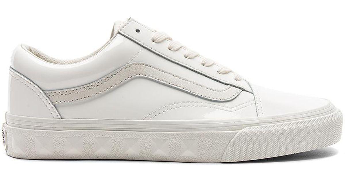 00253918af Vans Studs Sidewall Old Skool Sneaker in White - Lyst