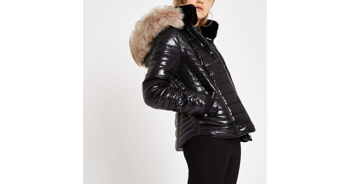 bc895ee597b3 River Island Faux Fur Trim High Shine Puffer Jacket in Black - Lyst