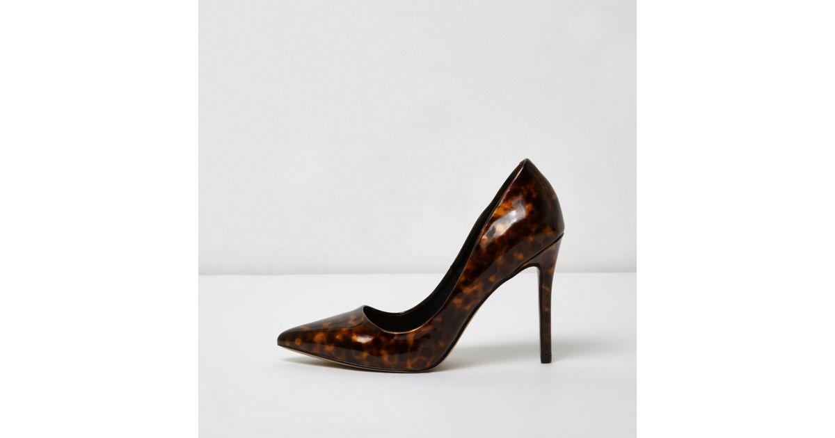 a1192f00c6d0d Top 10 Punto Medio Noticias | Tortoise Shell Court Shoes