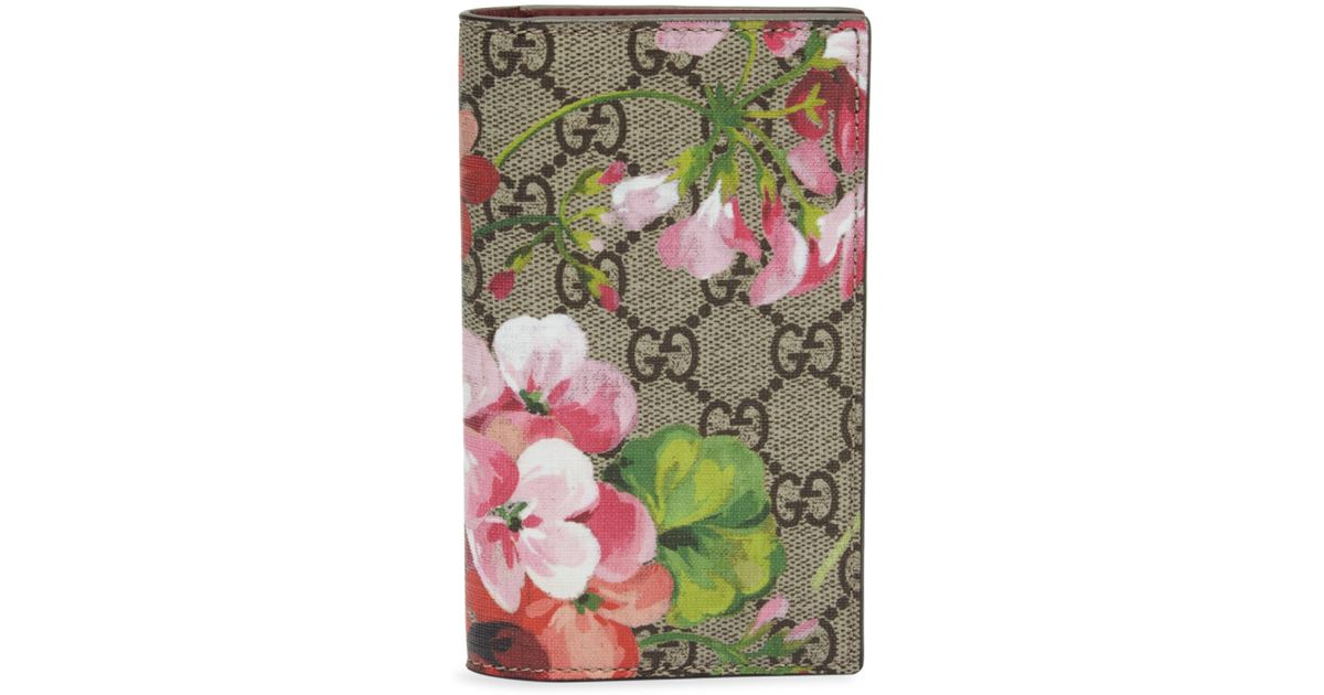 a12e109d8749 Gucci Gg Blooms Iphone 7 Wallet Case - Lyst