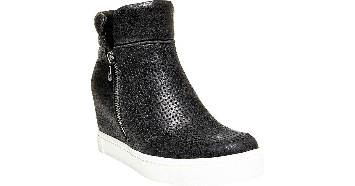 138be740fad4 Lyst - Steve Madden Linqsp Quilted Wedge Sneaker in Black